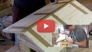 Vogelhaus selber bauen Dach Montage