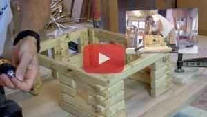 Vogelhaus bauen Unterbau verschrauben